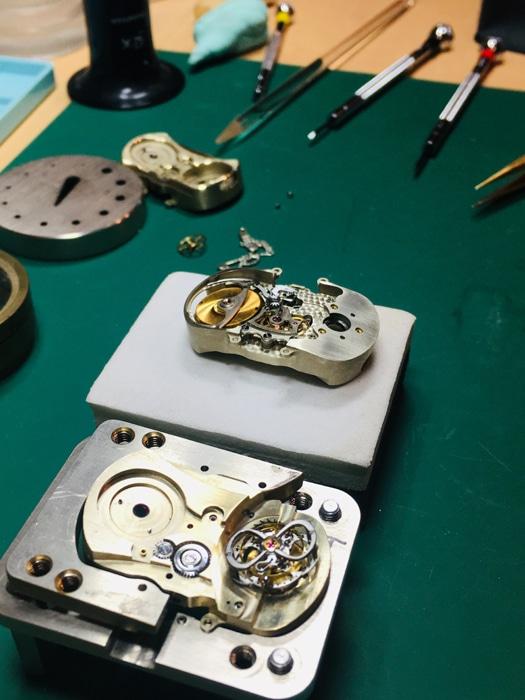 Horloger Conception l'Horloger de St Pierre le Vieux UCA Tramayes Bourgogne Saone et Loire 71 (1)