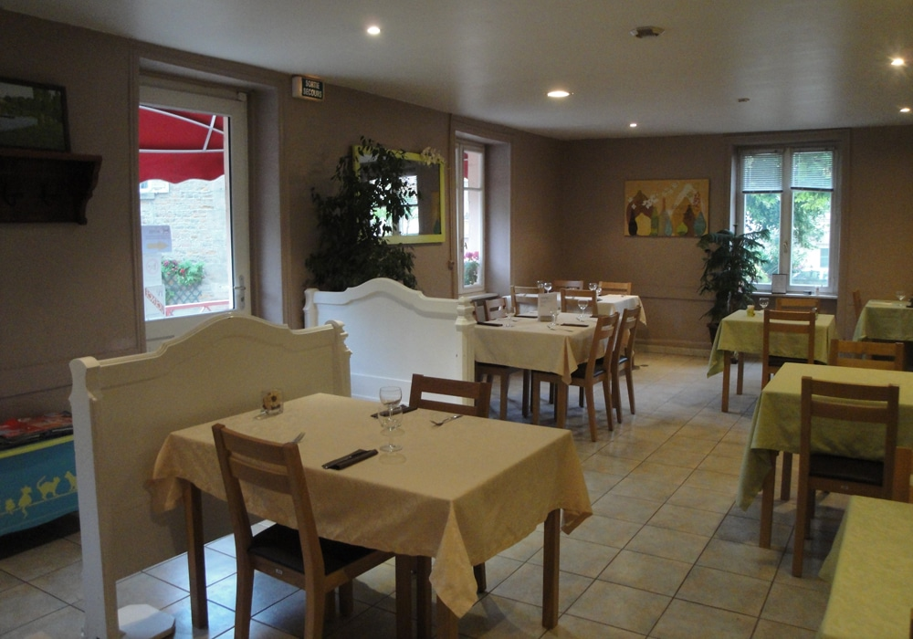 Hotel Restaurant Tramayes Le Marronnier UCA Tramayes Bourgogne Saone et Loire 71 (3)