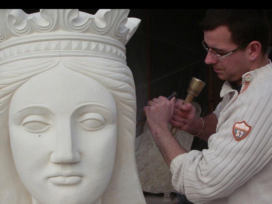 A Fleur de Pierre tailleur de pierre restauration creation doeuvre dart patrimoine Loic Gandrey marbrerie Tramayes 71 saone et loire